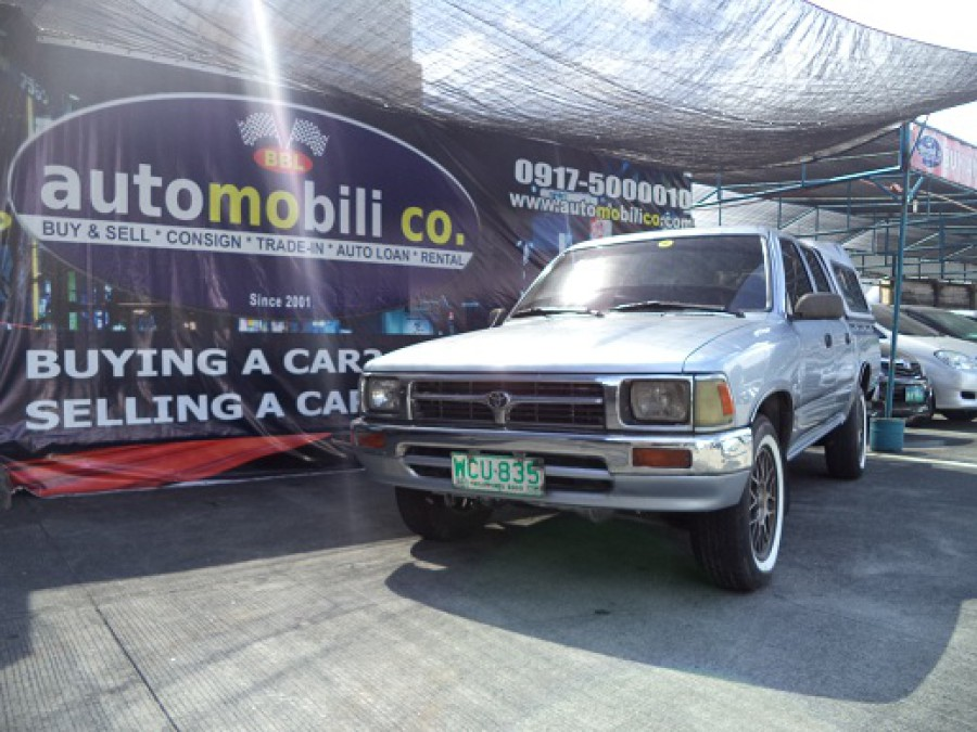 1998 Toyota HiLux - Front View