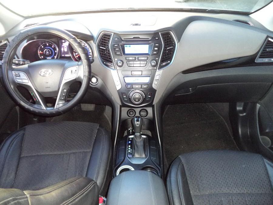 2013 Hyundai Santa Fe - Interior Front View
