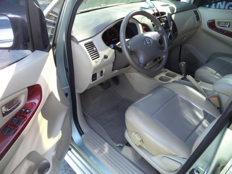 2006 Toyota Innova G - Interior Front View