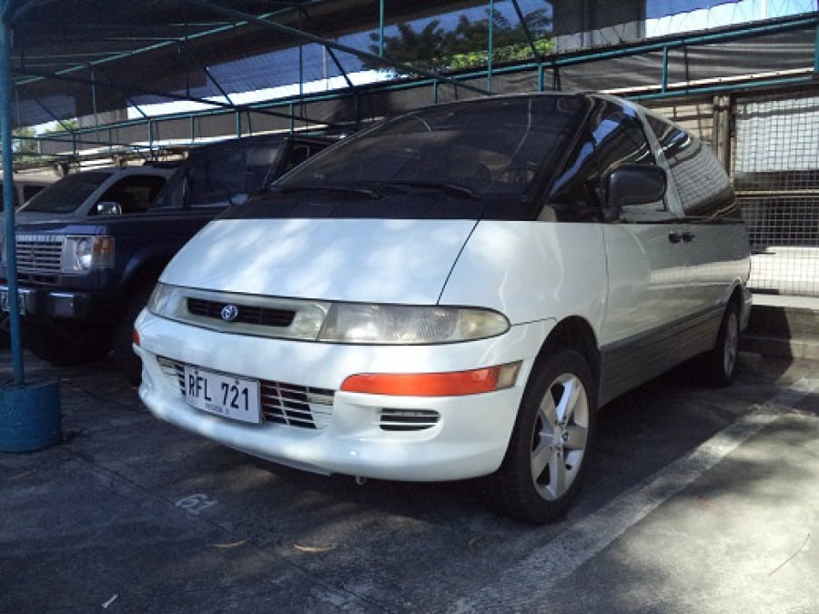 1994 Toyota Previa - Front View
