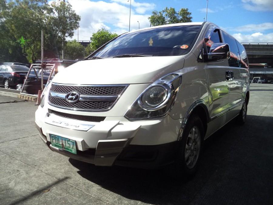 2011 Hyundai Starex - Front View