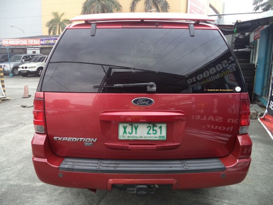 2003 Ford Expedition - Rear View