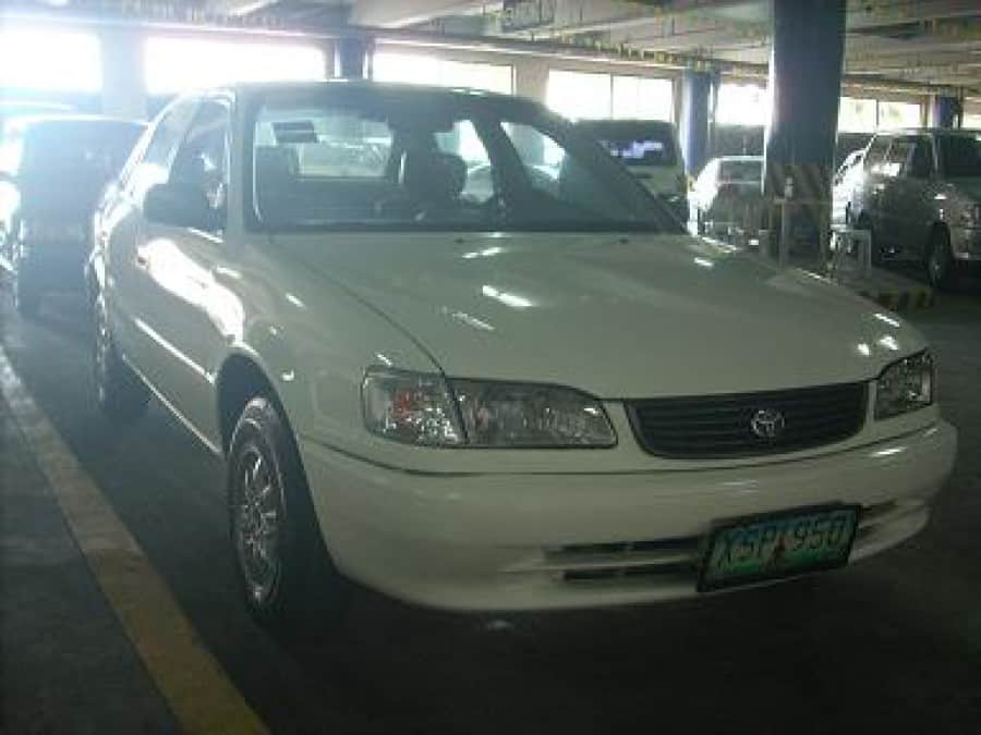 2004 Toyota Corolla - Front View