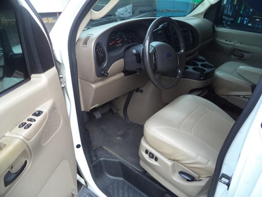 2007 Ford E-150 - Interior Front View