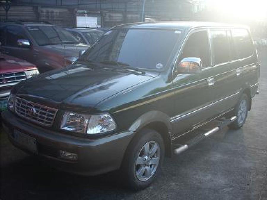 2001 Toyota Revo - Front View