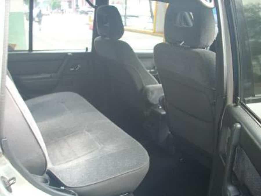 1995 Mitsubishi Montero - Interior Rear View
