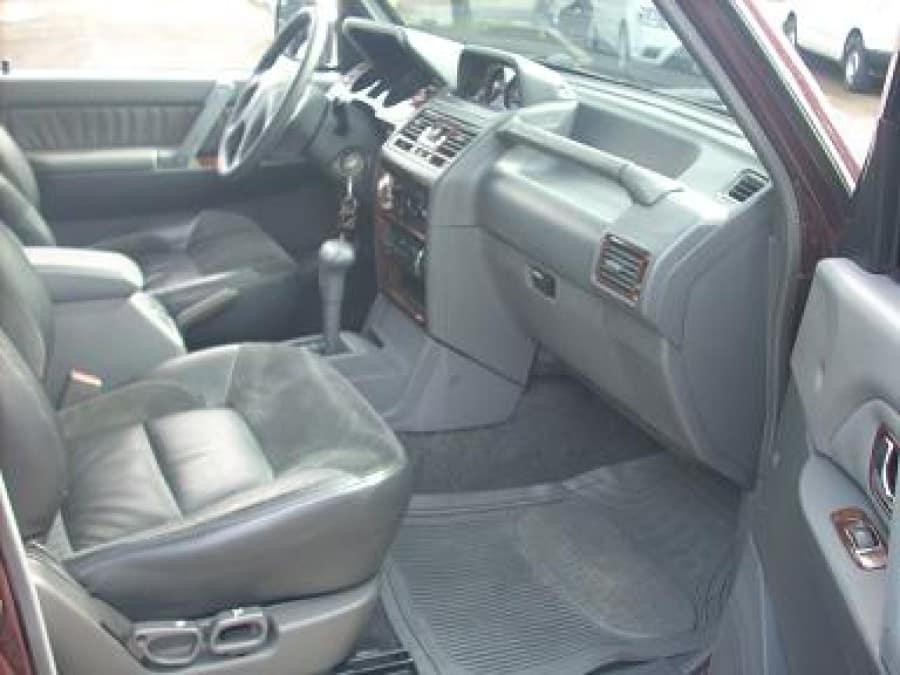 2000 Mitsubishi Pajero - Interior Rear View