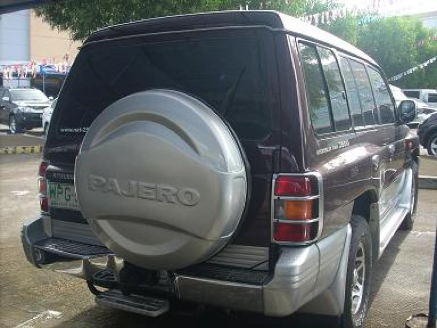 2000 Mitsubishi Pajero - Rear View