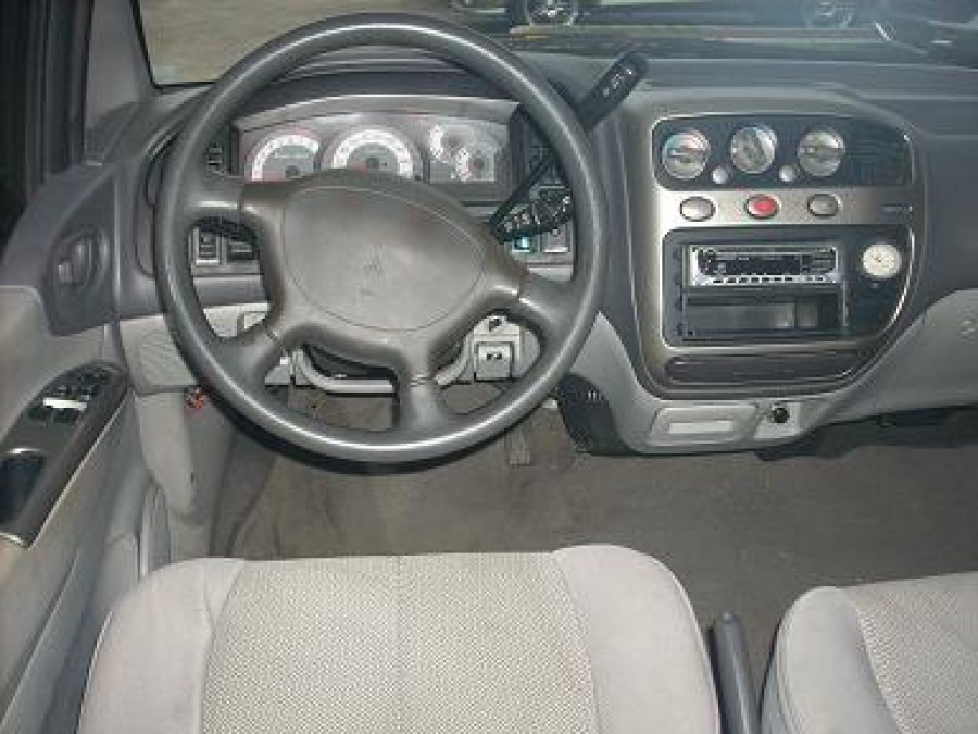 2004 Mitsubishi Space Gear - Interior Front View