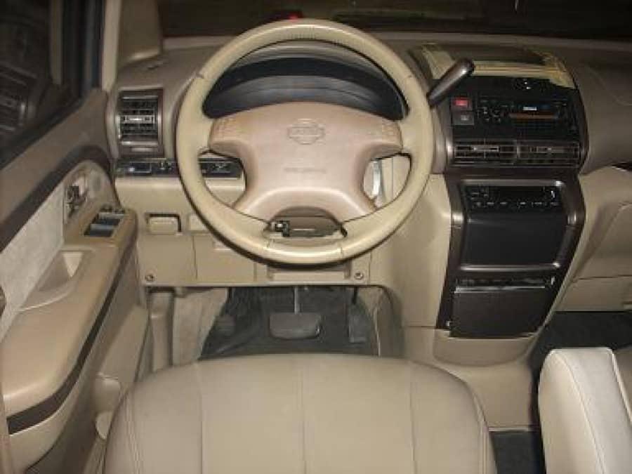 2002 Nissan Serena - Interior Front View