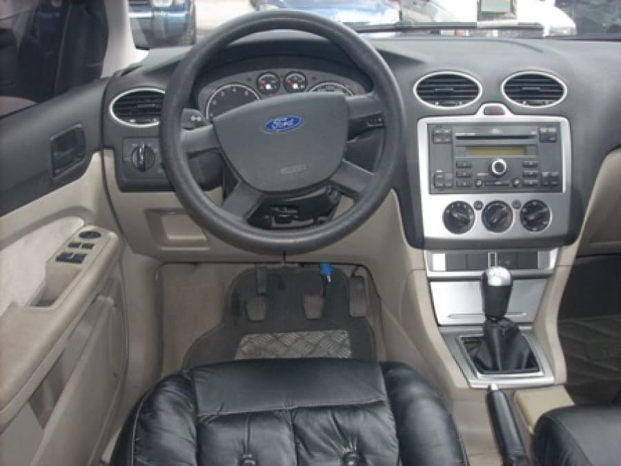 2006 Ford Focus - Interior Front View