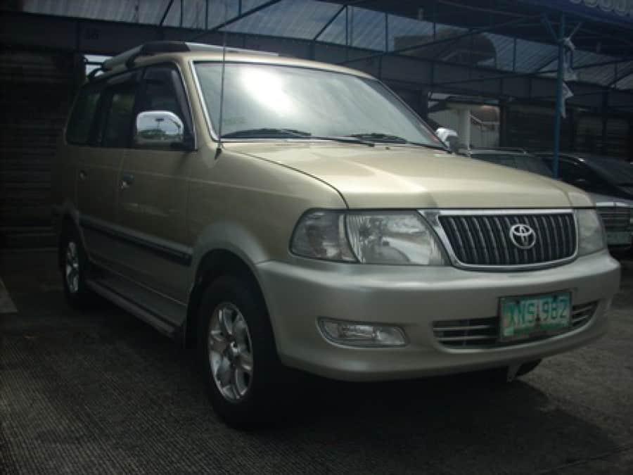 2004 Toyota Revo - Front View