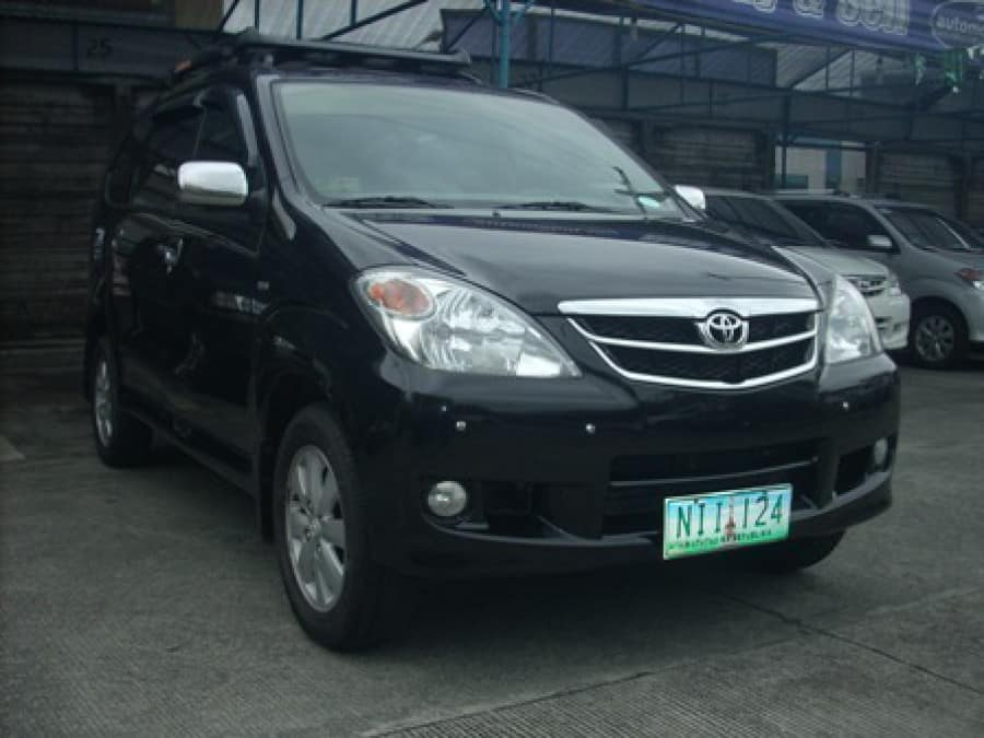 2009 Toyota Avanza - Front View