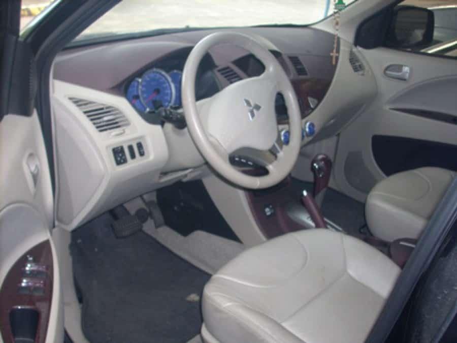 2010 Mitsubishi Fuzion - Interior Rear View