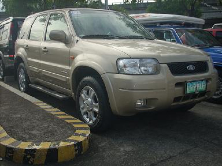 2003 Ford Escape - Front View