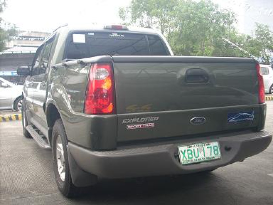 2001 Ford Explorer Sport Trac - Rear View