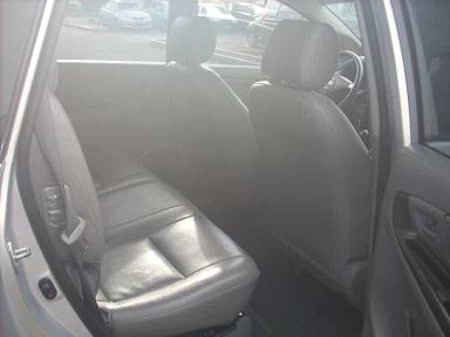 2006 Toyota Innova J - Interior Rear View