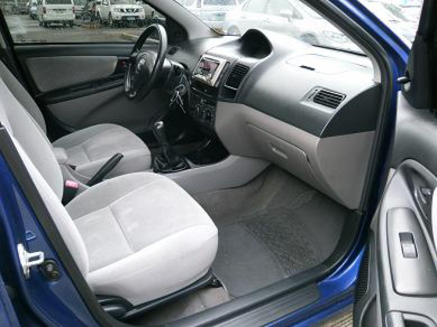 2006 Toyota 4Runner - Interior Front View
