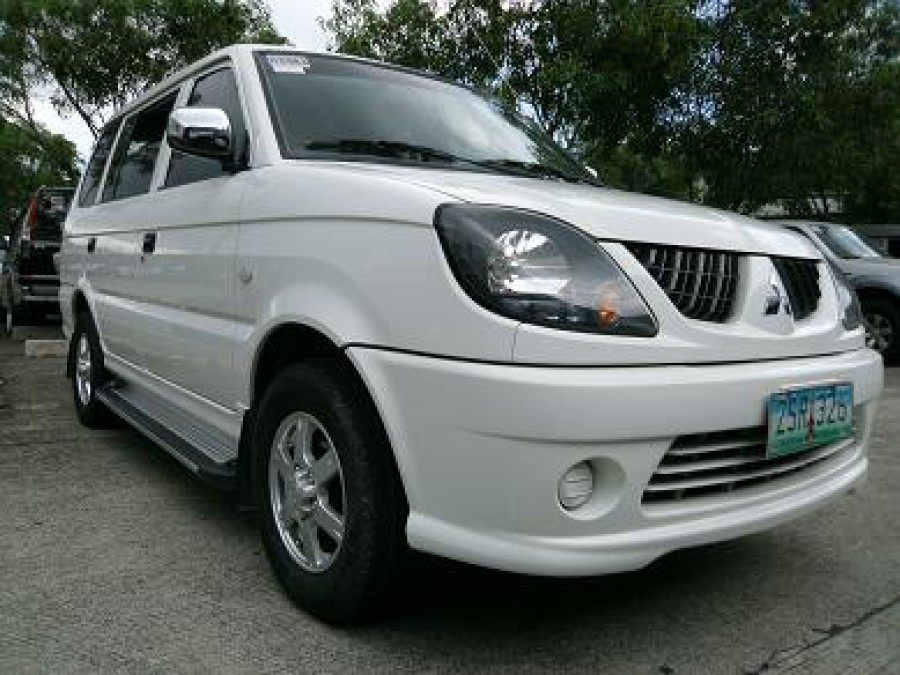 2008 Mitsubishi Adventure - Front View