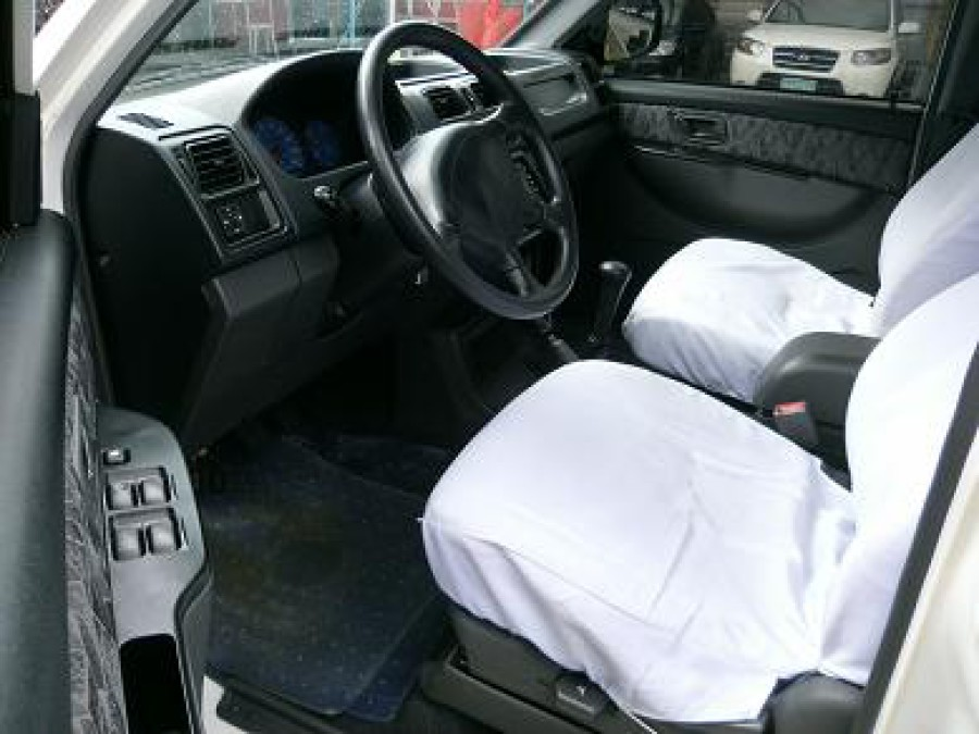 2008 Mitsubishi Adventure - Interior Front View