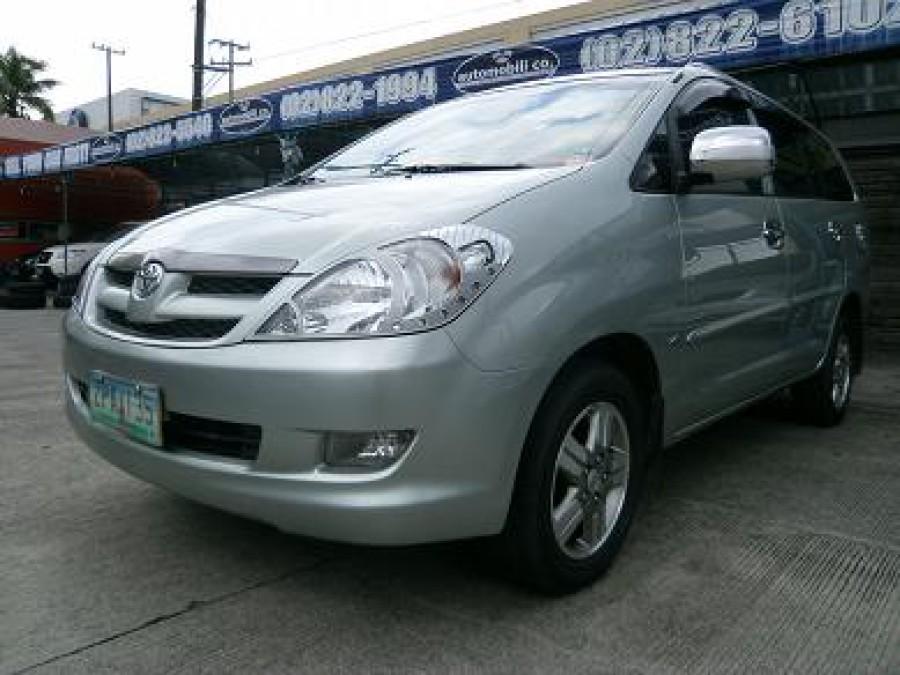 2008 Toyota Innova E - Front View