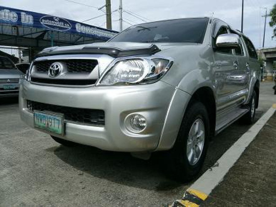 2009 Toyota HiLux - Front View