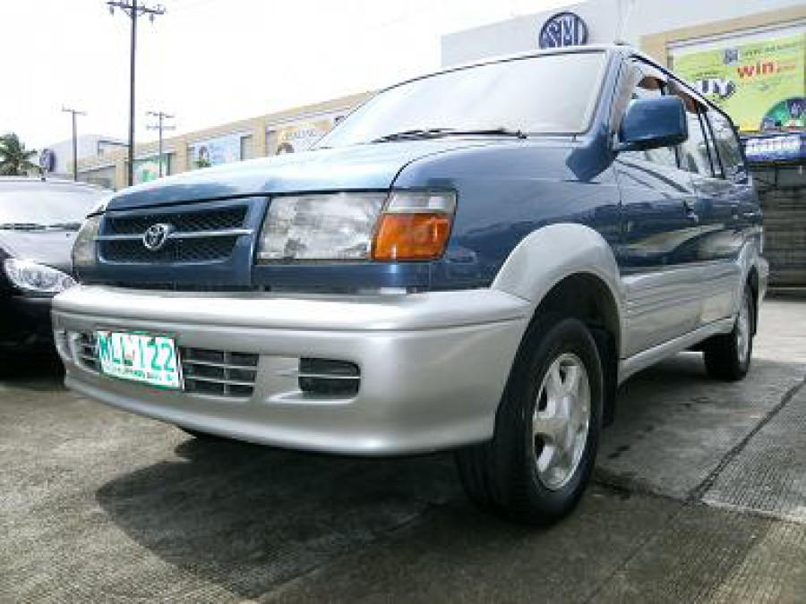 2000 Toyota Revo - Front View