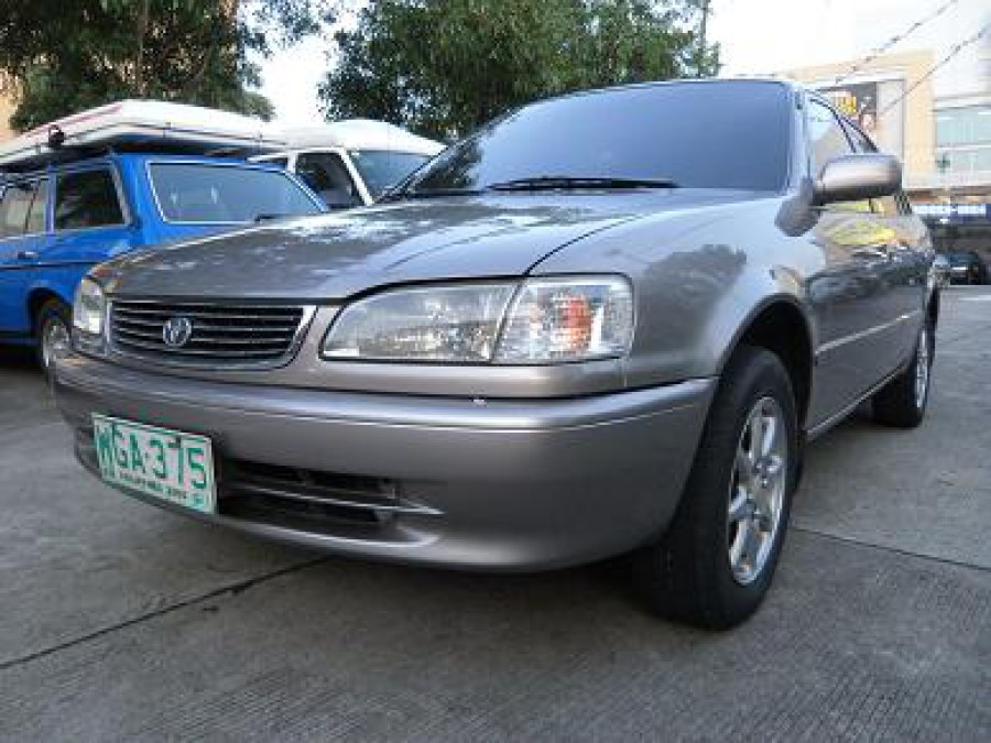 1999 Toyota Corolla - Front View