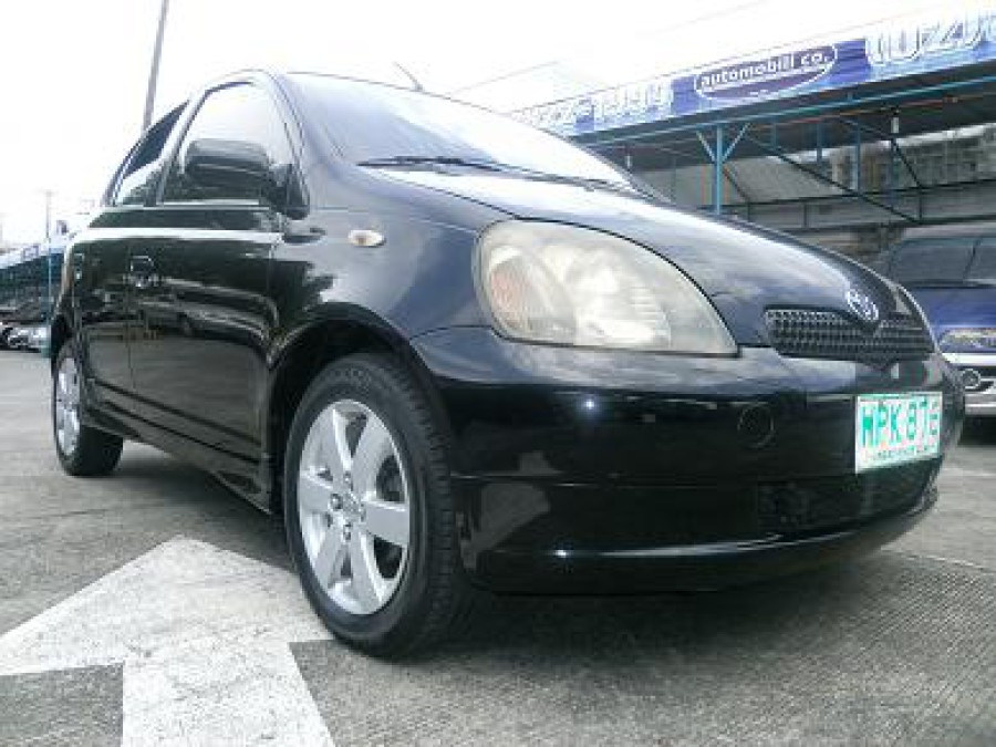 2000 Toyota Echo - Front View