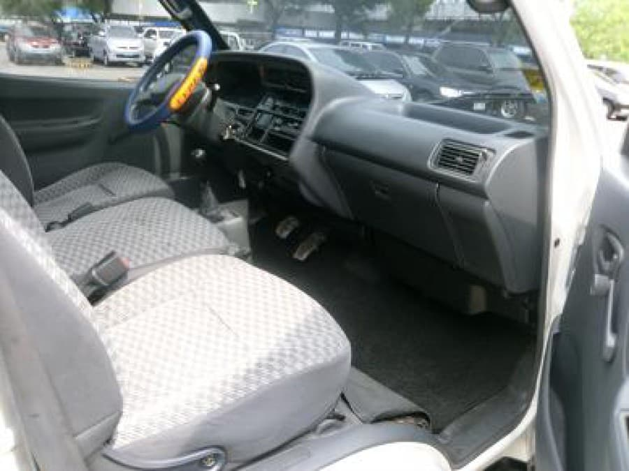 2003 Toyota HiAce - Interior Front View