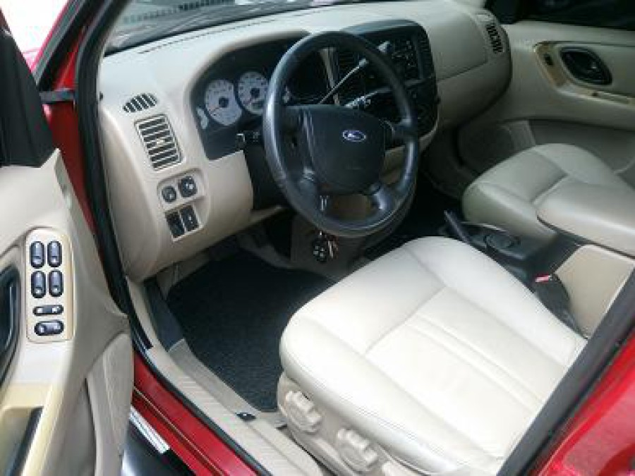 2005 Ford Escape - Interior Front View