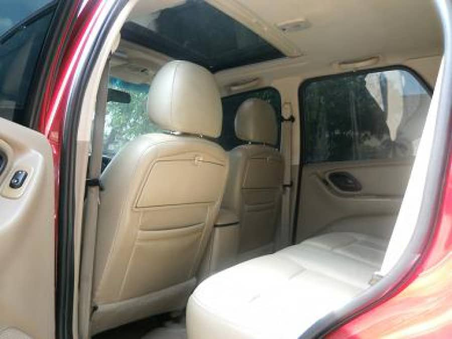 2005 Ford Escape - Interior Rear View