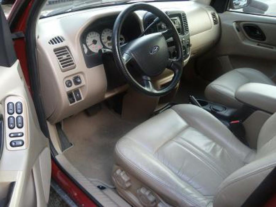 2006 Ford Escape - Interior Front View