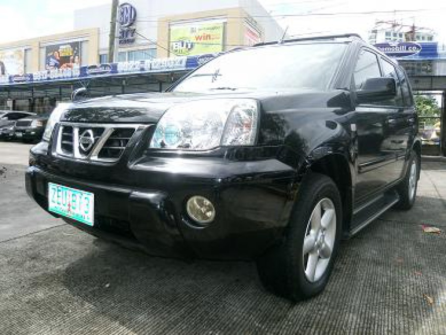 2003 Nissan X-Trail - Front View