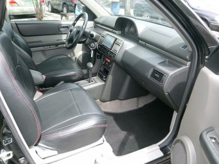2003 Nissan X-Trail - Interior Front View