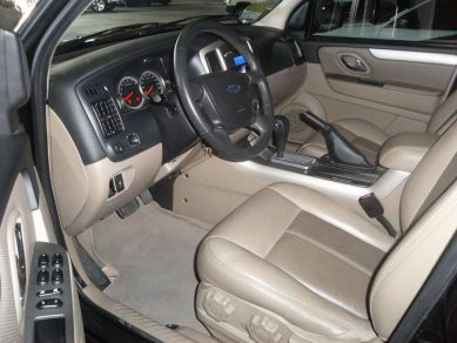 2008 Ford Escape - Interior Front View