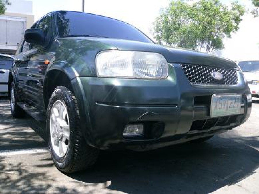 2004 Ford Escape - Front View