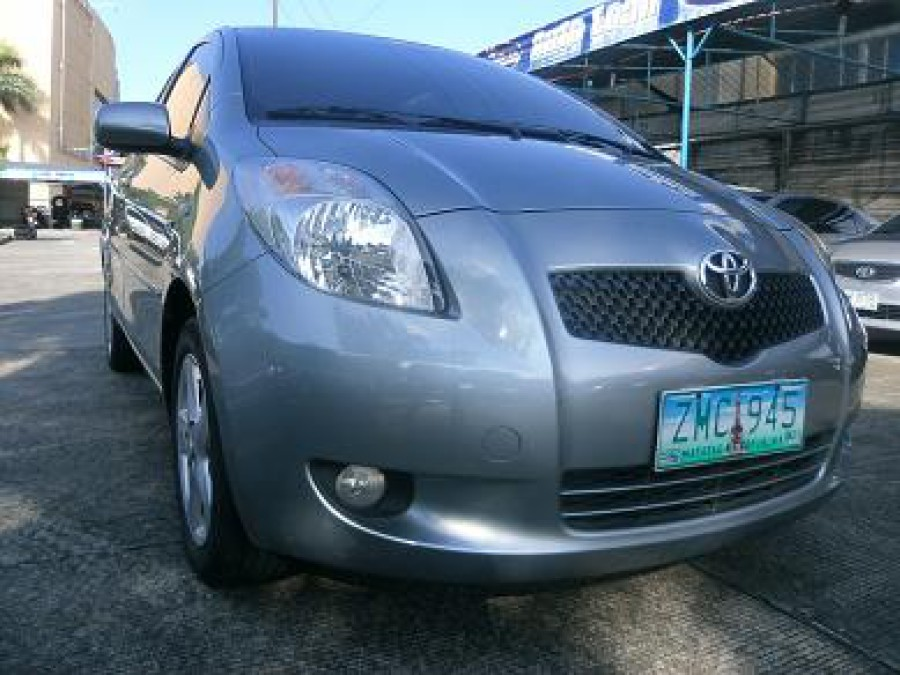 2008 Toyota Yaris - Front View