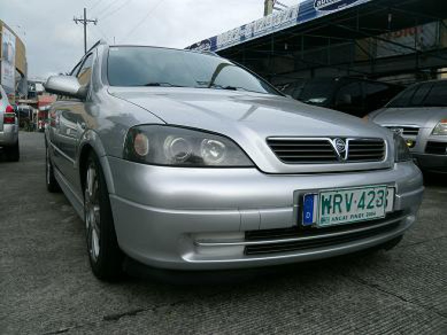 2001 Opel Astra - Front View