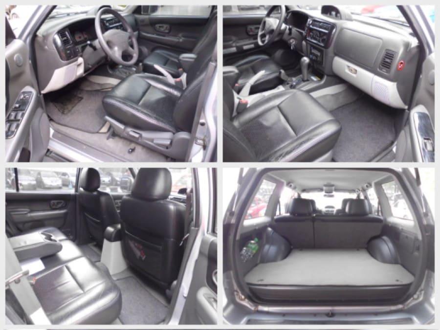 2006 Mitsubishi Montero Sport - Interior Front View