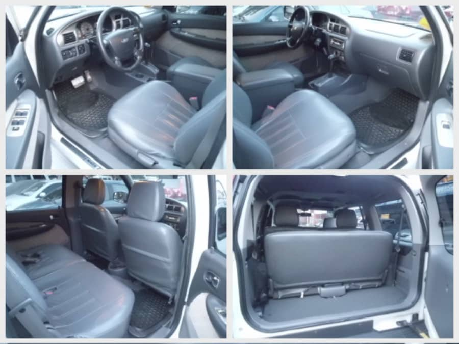 2005 Ford Everest - Interior Front View