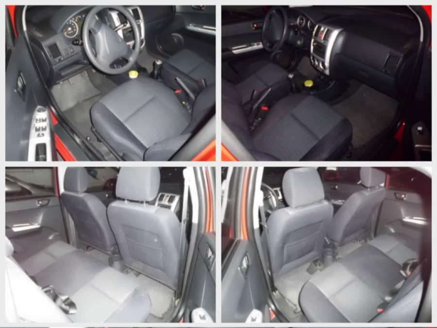 2010 Hyundai Getz - Interior Front View