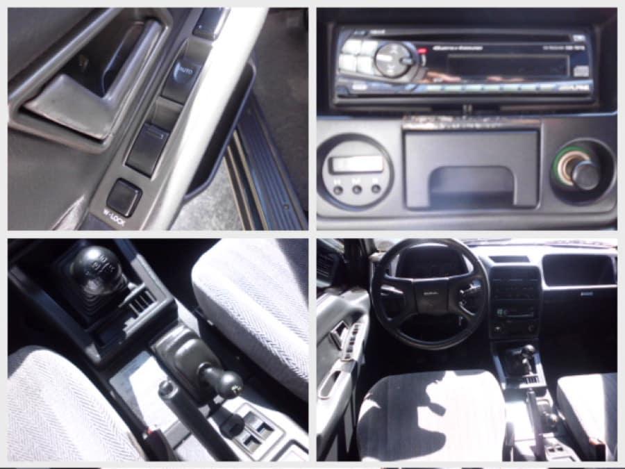 1997 Suzuki Vitara - Interior Rear View