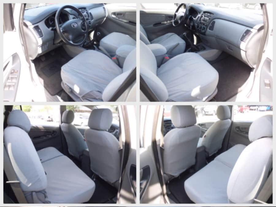 2009 Toyota Innova E - Interior Front View