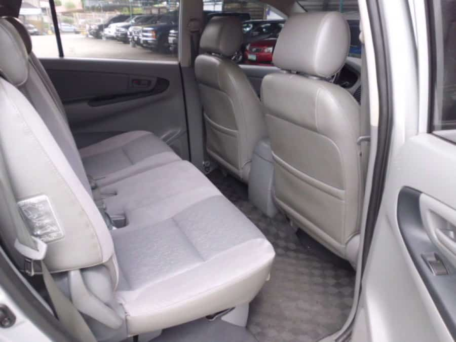 2007 Toyota Innova E - Interior Rear View