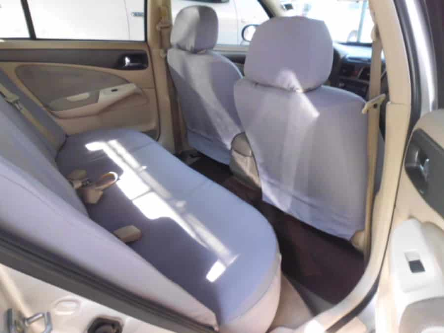 2005 Nissan Sentra - Interior Rear View