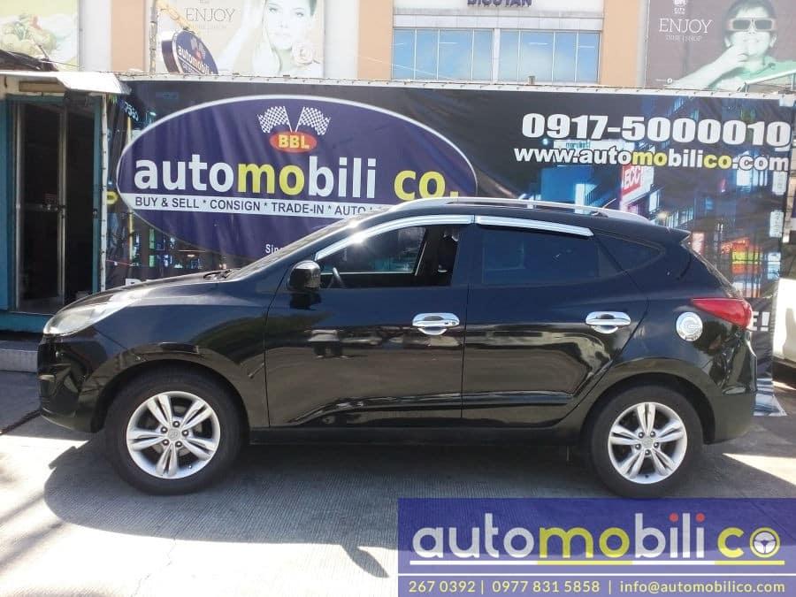 2011 Hyundai Tucson - Left View