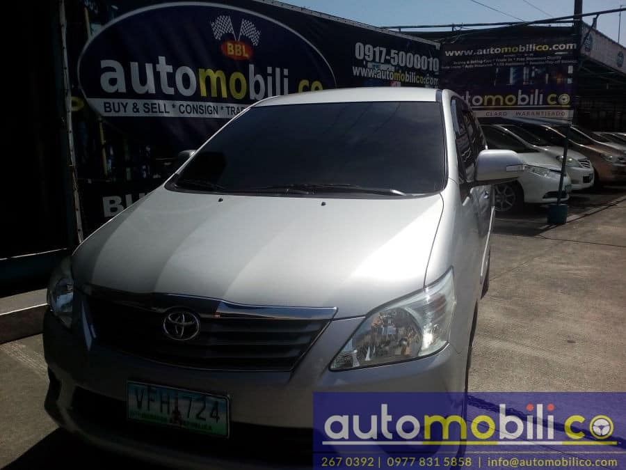 2012 Toyota Innova G - Front View