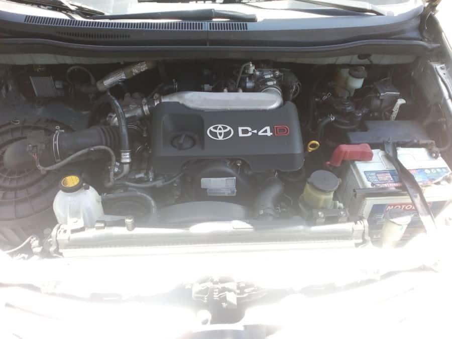 2012 Toyota Innova E - Interior Rear View