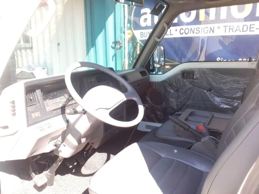 2010 Nissan Urvan - Interior Front View